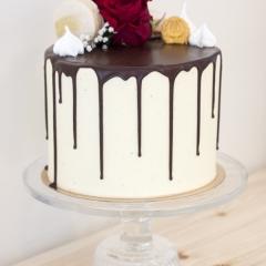 Yo-juhlat kakku tilaa